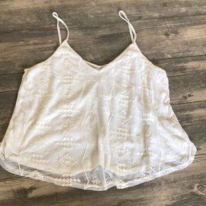 Tops - FINAL PRICE White lace tank